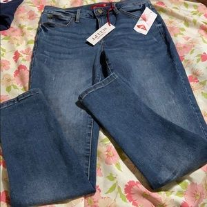 Women's High-Rise Jeans. NWT!